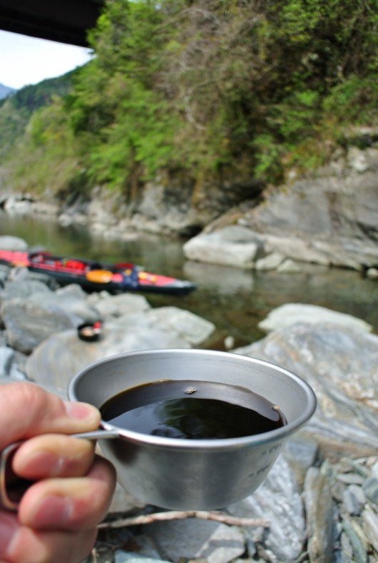 川とコーヒー