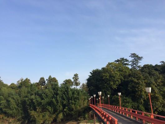 滝宮天満宮に続く橋