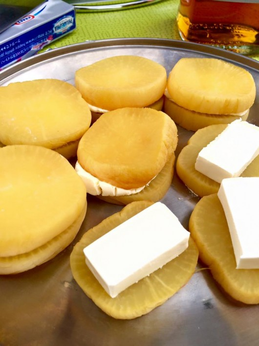 沢庵の燻製クリームチーズサンド
