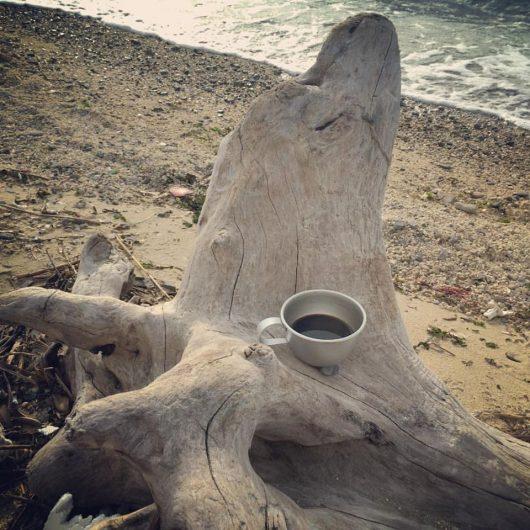 海でコーヒー