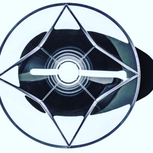 星形のリブ(溝)